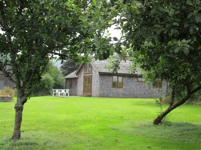 Holiday Cottage for Two with Hot Tub