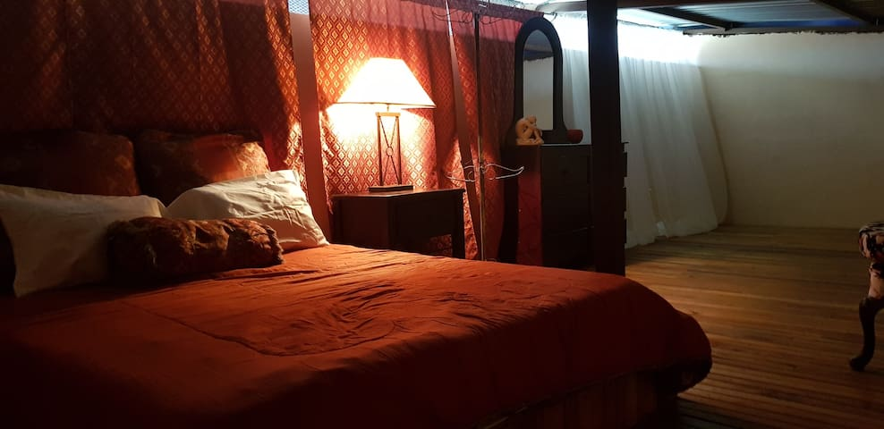 Cozy attic just 8 minutes from airport.