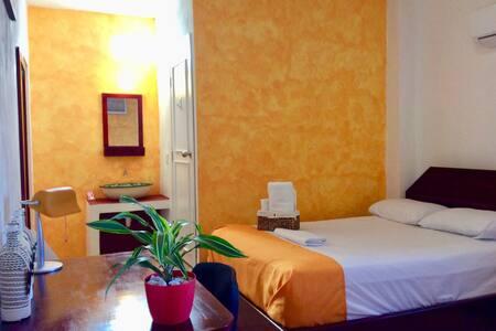 Beautiful cozy room near Chetumal Bay & University - Chetumal - 独立屋