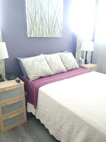 Bedroom.  Full sized bed.