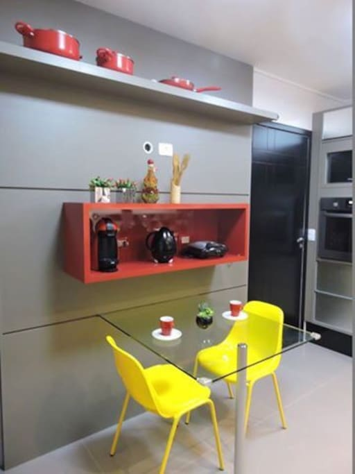 Cozinha aconchegante e toda equipada
