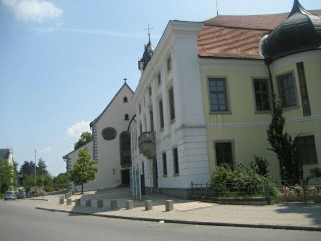 Schloß mit St. Martin Kirche und  Rathaus, Aulendorf