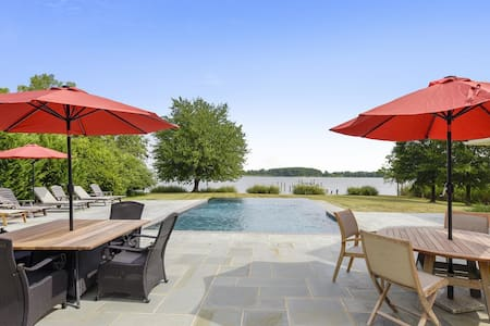 The Bay House on Easy Lane - Pet-Friendly, Pool, Outdoor Kitchen!