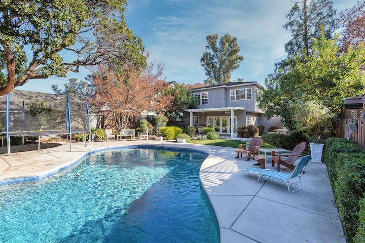 Land Park Luxury Home | Pool & Chef's Kitchen