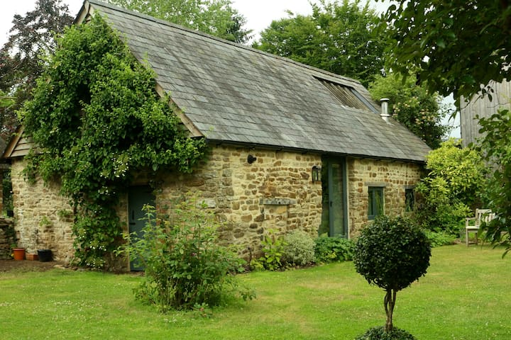 Lovely cottage in Oxfordshire village
