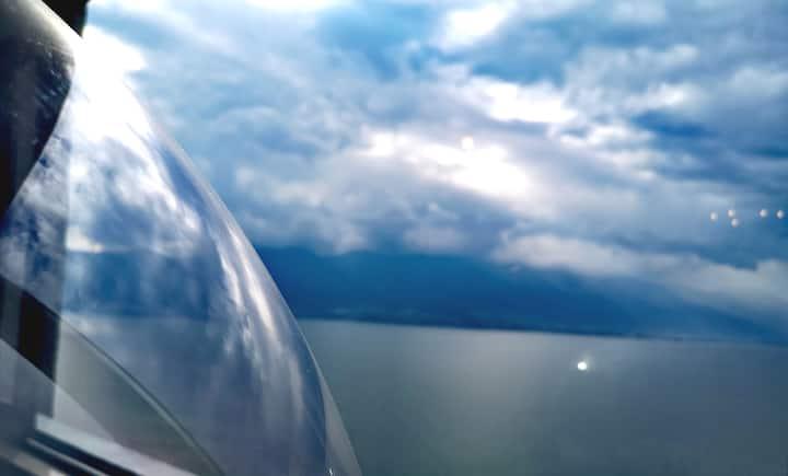 春季特惠+连住优惠++好评红包+免费停车 +【等风来】海景3居室+大落地窗+网红玻璃球+近机场