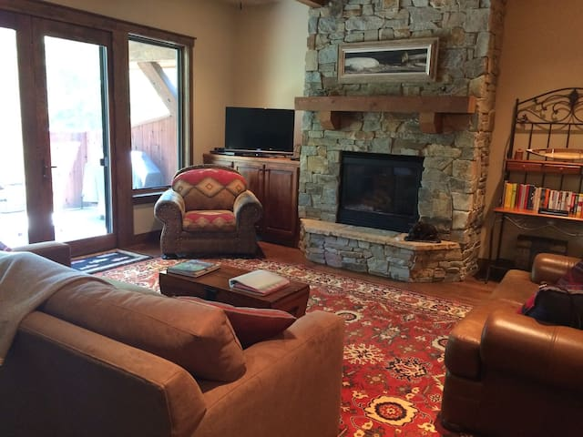 Luxury Condo in downtown Bigfork
