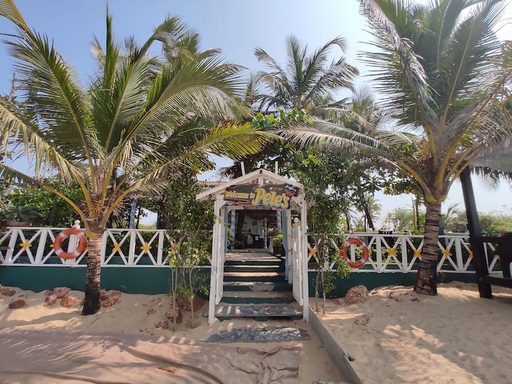 Beachfront Homestay for Big Groups [6 Rooms]