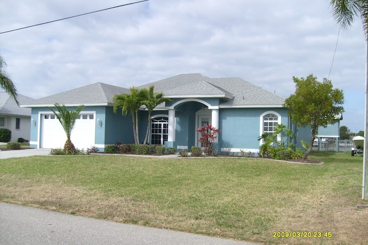 Beautiful Florida Lake Front Home