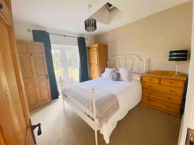 Glendurragh House - Bedroom 1