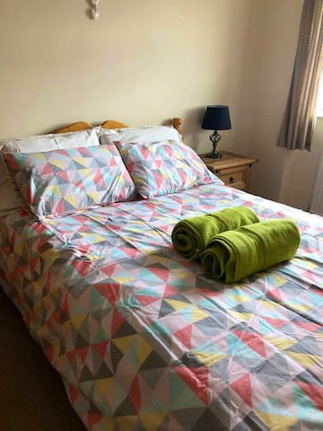 Comfortable Single Room (01) people 110,£ p/night