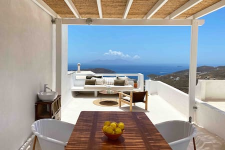 Serifos Olive. Cycladic house with amazing views.