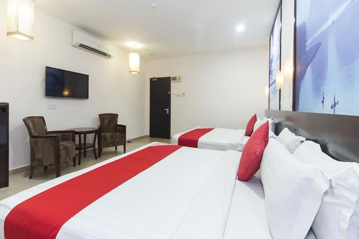 D&f Boutique Hotel Senawang- 1BR Suite Triple