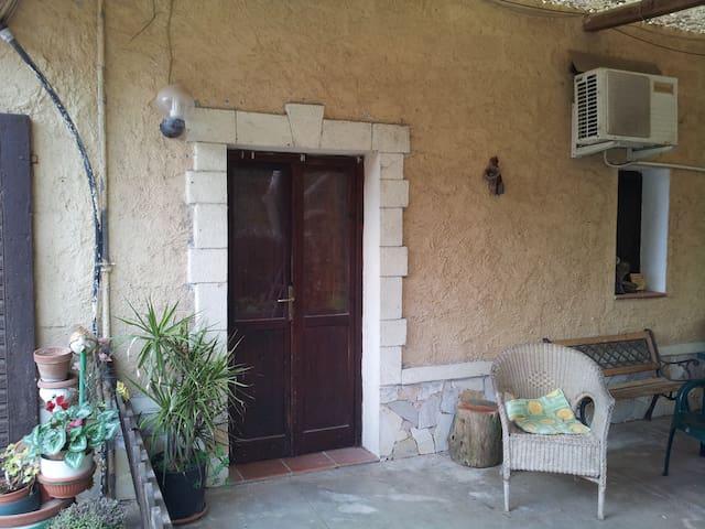 La casetta - ซัสซานิ - บ้าน
