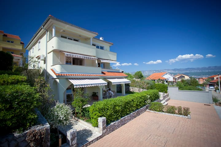 Apartment Fanuko (62072-A2) - Čižići - island Krk - Huoneisto