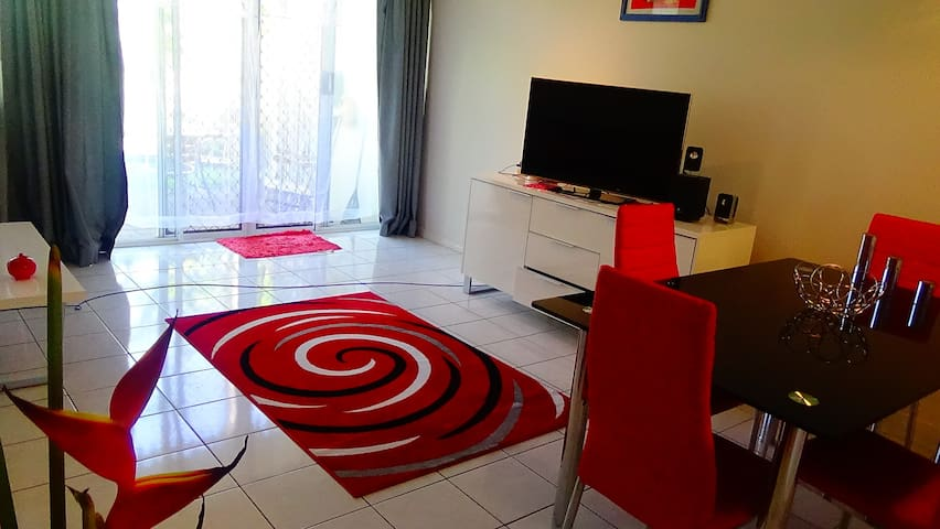 Beautiful, comfortable home - Manoora - Apartamento