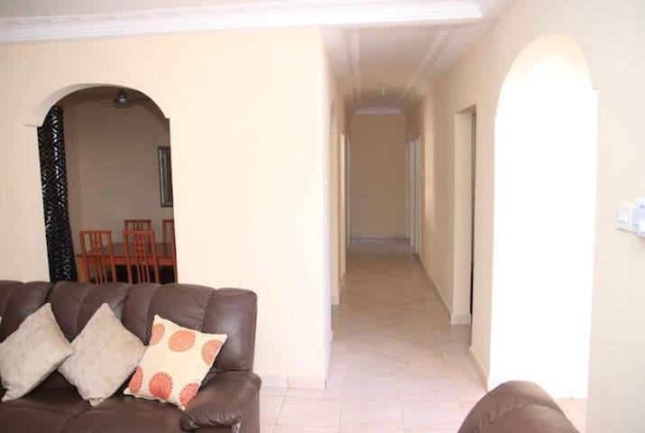 Living/corridor