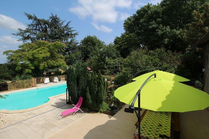 Grande maison de campagne, 20 pers - Javerlhac-et-la-Chapelle-Saint-Robert - บ้าน