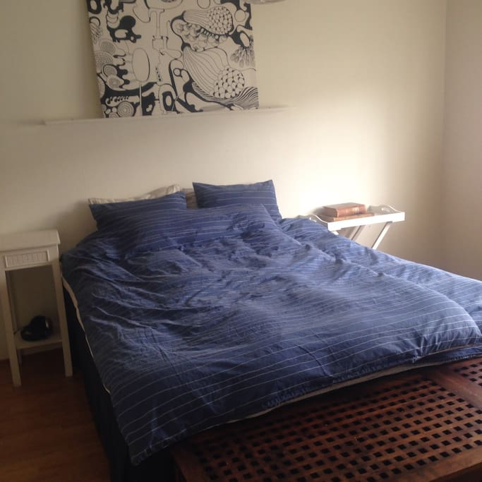 Bedroom With queensize 160cm bed for 2 people