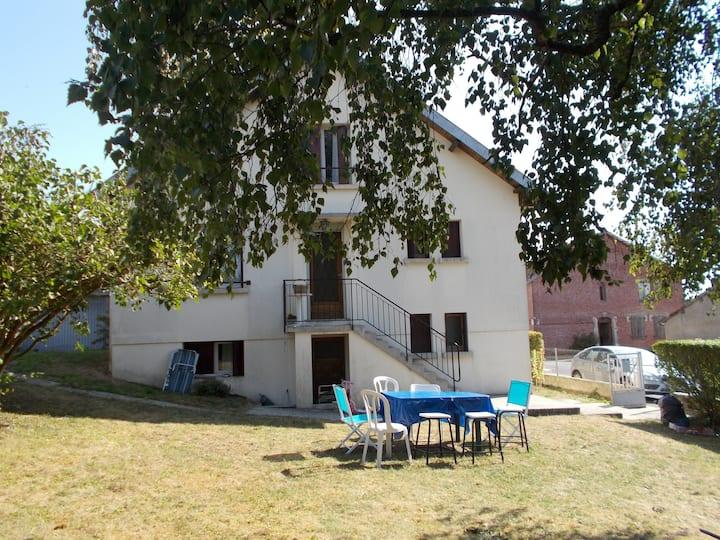Maison familiale dans la campagne ardennaise