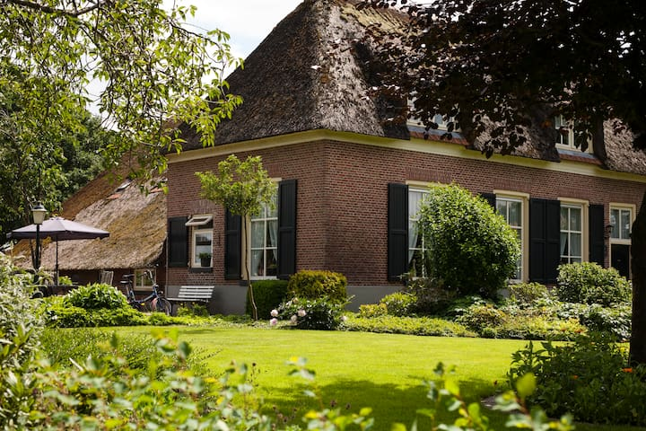 Authentic farmhouse apartment - Lemelerveld - Daire