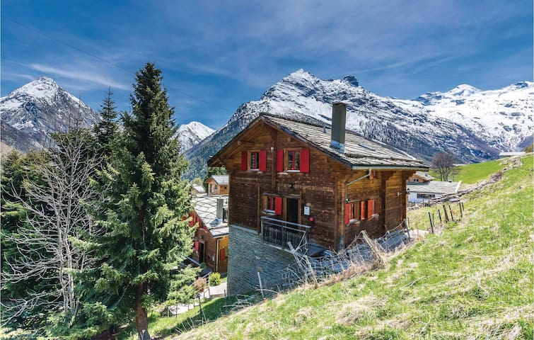 Holiday cottage with 5 bedrooms on 85 m² in Saas-Fee