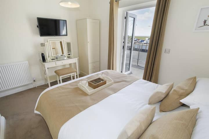 Deluxe Double Room with Balcony -The Estuary Rooms