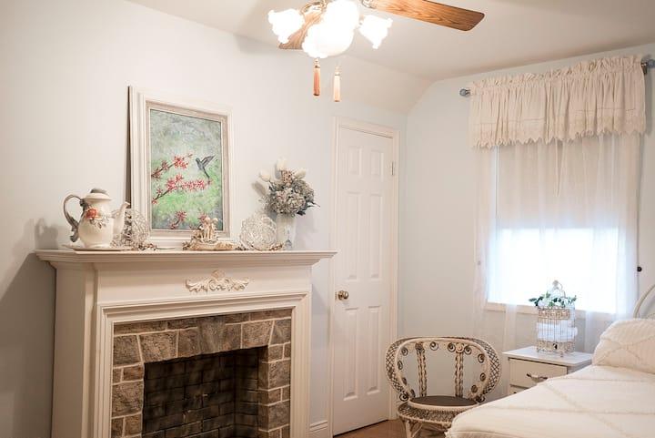 The Victoria Room at Nine Oaks au Joubert