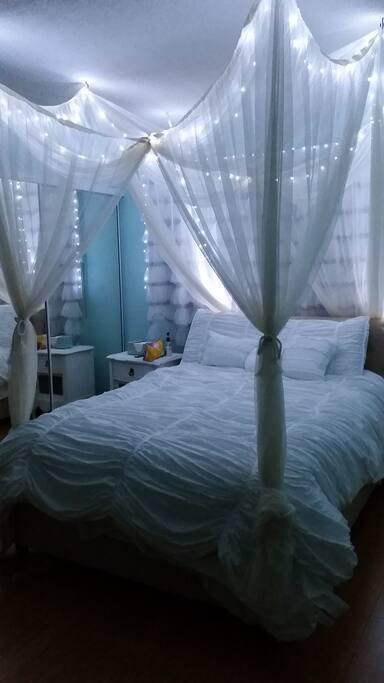 Bedroom: Night