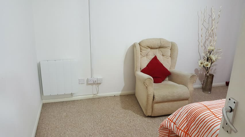 Beautiful, cosy and important location - Sudbury - Daire