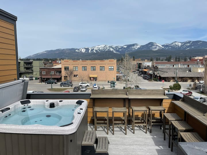 Luxury 2BR/2BA Penthouse w/Hot Tub on Central Ave