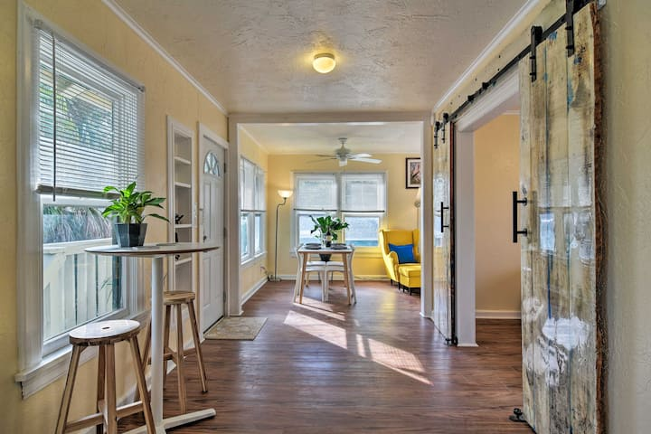 Charming Apt in Historic Kenwood - 3 Miles to Bay!