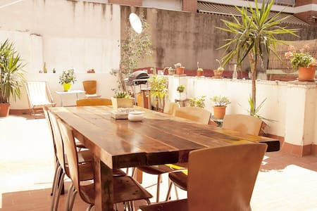 Renovated 90mts 3 bedroom flat w private TERRACE - Barcelona - Apartment