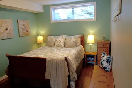 A Golden Mile BNB - Seaglass Room - Oliver