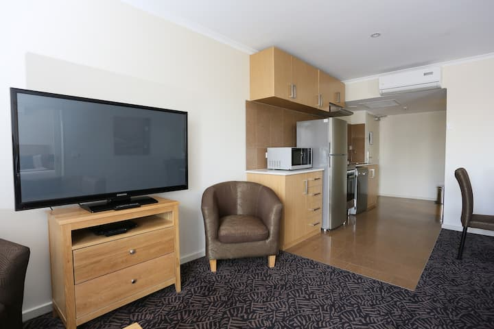 Albury City 2 Bedroom 2 Bathroom Apt