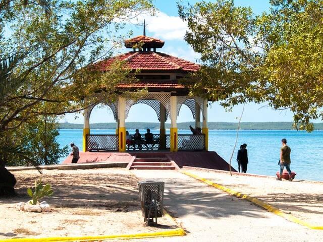Alojamiento Doble en La Punta & Xagua