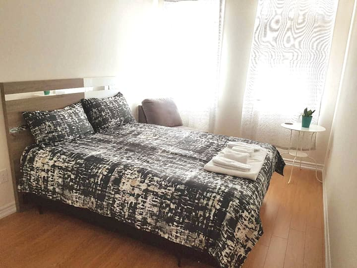 Cozy Comfy Room Near Airport & HWY 410