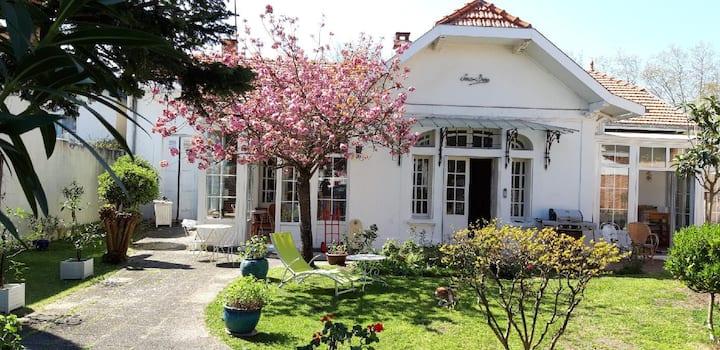 Chambre d'hôte avec salon dans villa privée