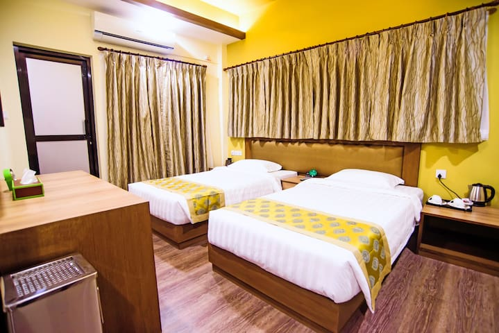 DELUXE ROOM  WITH KITCHEN (TWIN)
