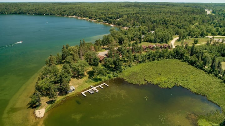 Leech Lake Cabin/Activities for Him and Her, Close to Restaurants, Fishing, Trails, Sightseeing and More!