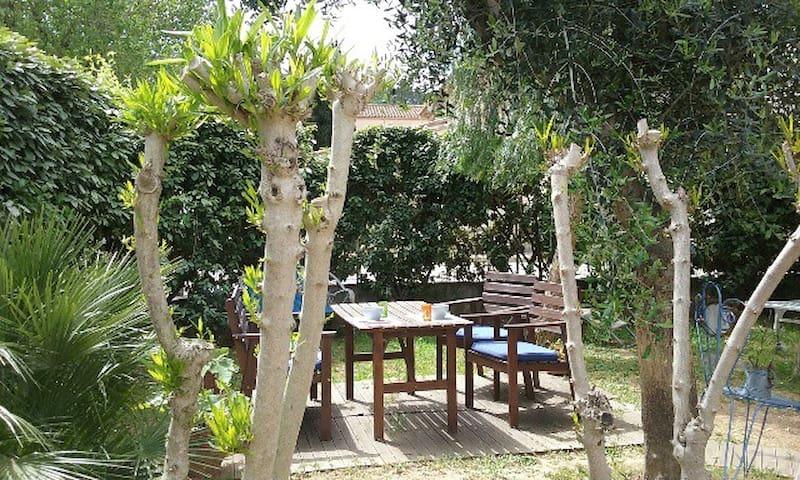 Chambre individuelle avec jardin - La Crau