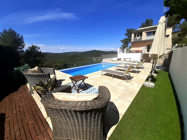 Beautiful villa near Sitges and Bcn