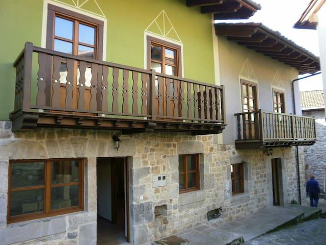 Casas rurales para 13-14 personas en Cabrales