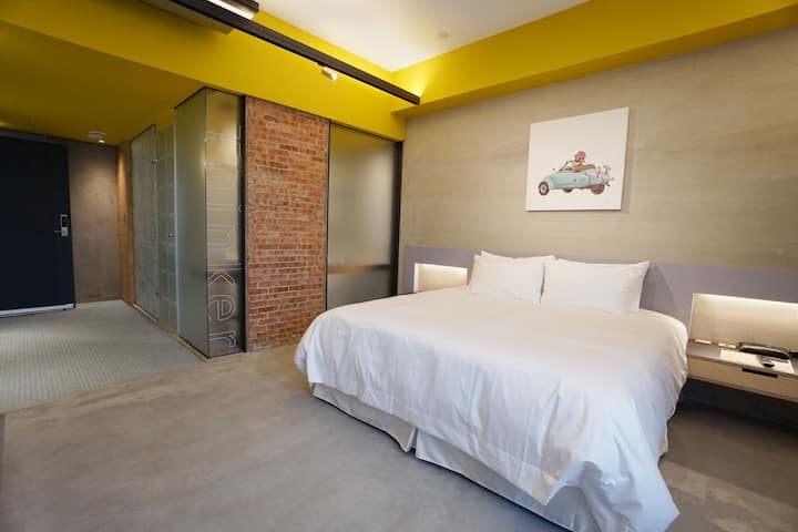 Double Room with bath tub/near Yingge station