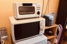 tableware, fridge, microwave, oven/餐具,冰箱,微波爐,烤箱