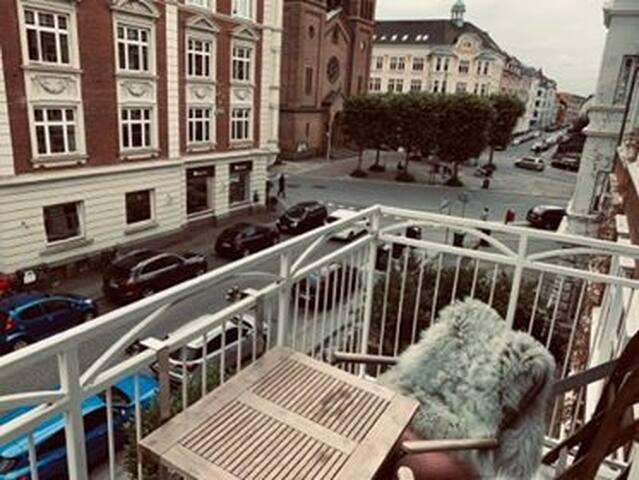 Charmerende 3 vær. på Fredriksbjerg m/ Altan