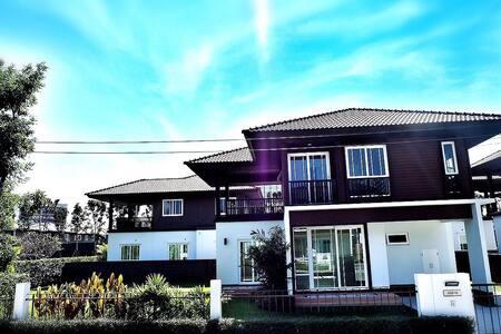 Chiangmai Home - San Phi Suea - Huis