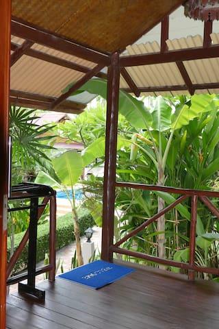 Terrasse privée avec vue jardin et/ou piscine
