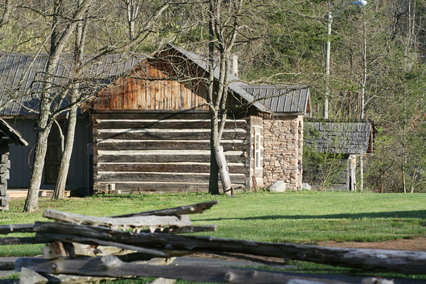 Boone's Pointe Cabins located on the historic Wilderness Trail