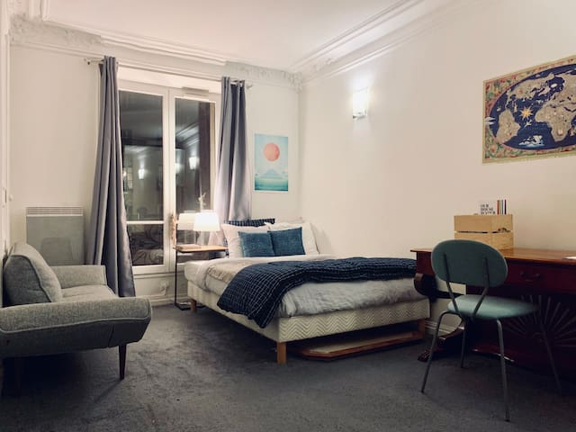Large Room in a Beautiful Appartement